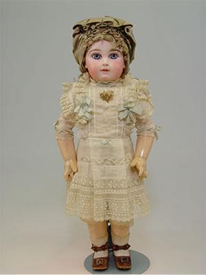 スライド画像-https://www.doll-museum.jp/wp-content/uploads/2016/04/gallery-img-05.png