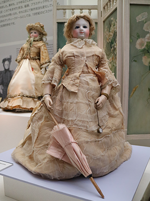 スライド画像-https://www.doll-museum.jp/wp-content/uploads/2016/04/gallery-img-07.png